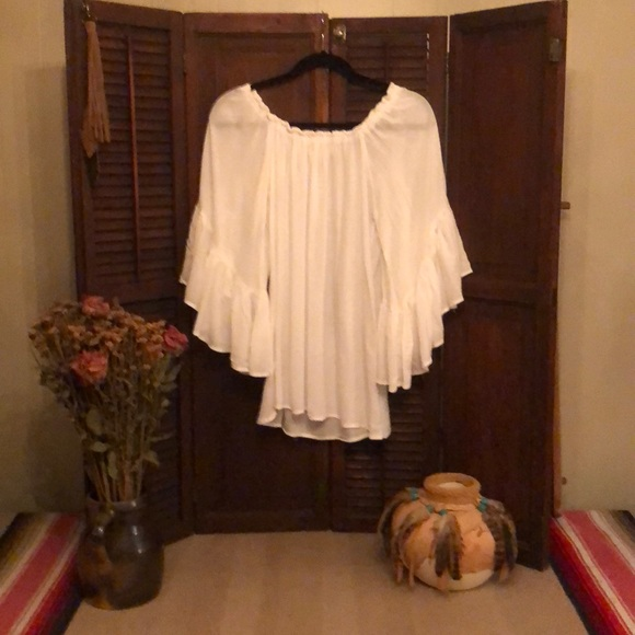 fc489536c9ca5 Elan Tops - Off the shoulder white blouse
